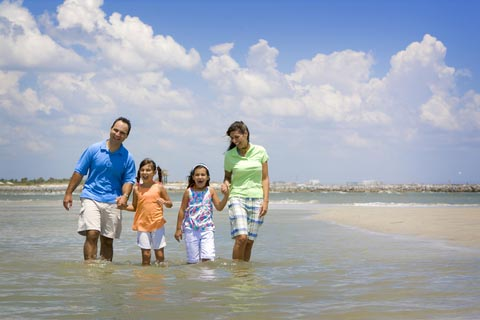 Keep Your Kids Happy When You Travel with Island Trader Vacations